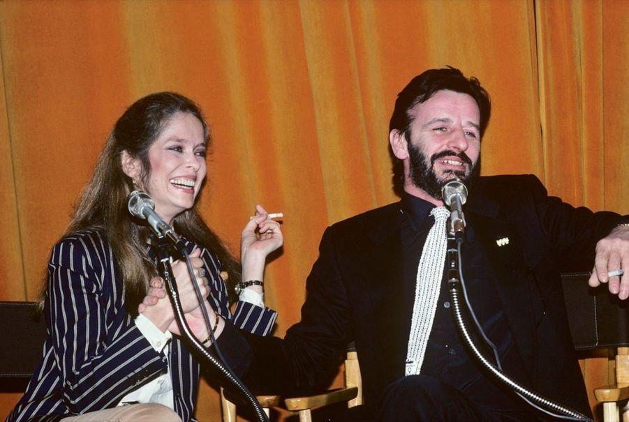 Barbara Bach et Ringo Starr, complices sur le plateau duRobert Klein Radio Hour, à New York, le 26 mars 1981, un mois avant leur mariage.