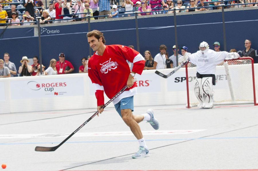 Roger Federer attrape le hockey