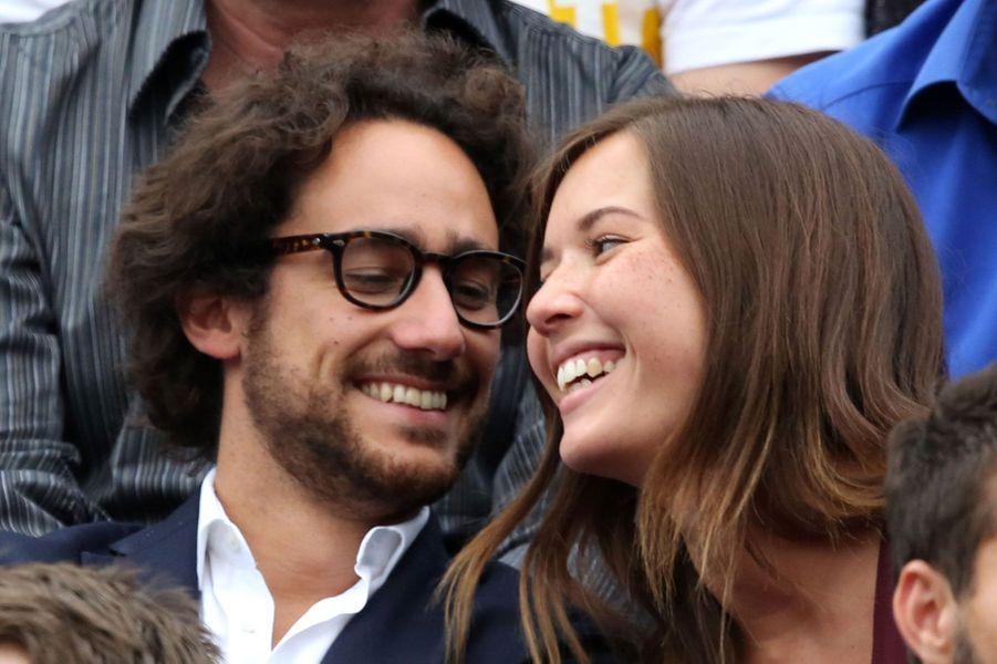Thomas Hollande et sa compagne dans les gradins de Roland-Garros