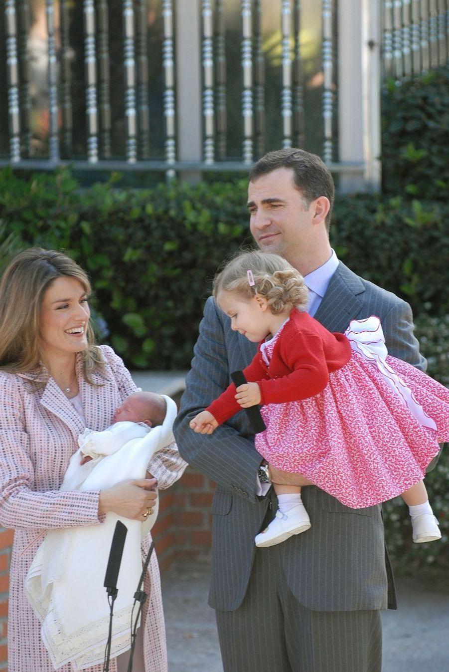 Sortie de la maternité avec Sofia, née le 29 avril 2007