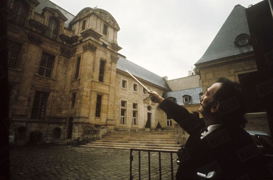 « Le lieu le plus mystique de Paris, cela veut dire le lieu où habita Clotilde de Vaux, quand le plus grand philosophe français, Auguste Comte, l'a connue, consacrée par les positivistes sainte et patronne de l'Humanité.», Salvador Dali dans Paris Match n°1055, 26 juillet 1969