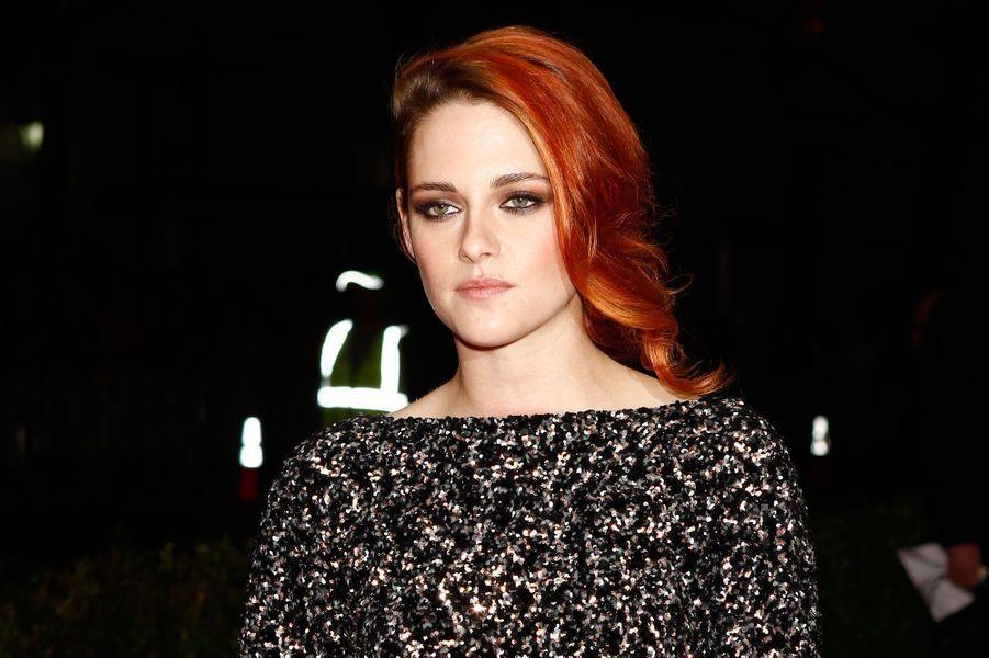 Malgré la fin de la saga «Twilight», Kristen Stewart réussit à se maintenir dans ce top 10 «Forbes» avec près de 12 millions de revenus sur un an. Elle sera prochainement à l'affiche de plusieurs longs-métrages comme «Camp X-Ray» ou bien encore «Sils Maria».