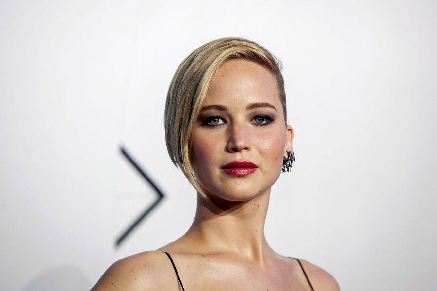 A la deuxième place du classement «Forbes», nous retrouvons la nouvelle étoile montante de Hollywood, Jennifer Lawrence. A seulement 23 ans, en 2013, l'actrice a touché 34 millions de dollars grâce aux succès d'«American Bluff», de «Happiness Therapy», de «Hunger Games» ou bien encore du dernier épisode de «X-Men».