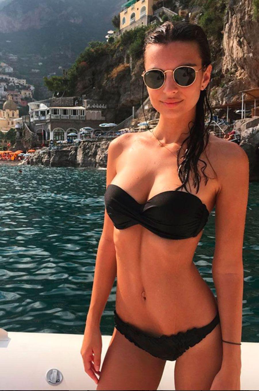 Emily Ratajkowski en vacances