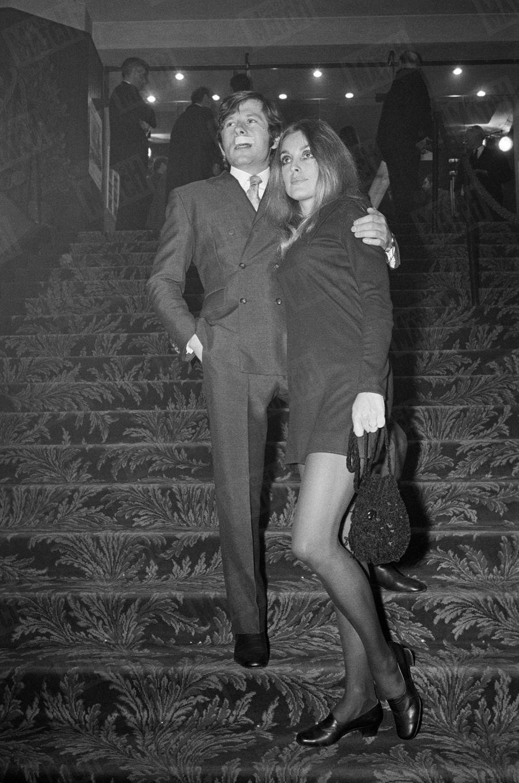 """Sharon Tate et Roman Polanski à la première parisienne du film """"Le bal des vampires"""", le 31 janvier 1968."""