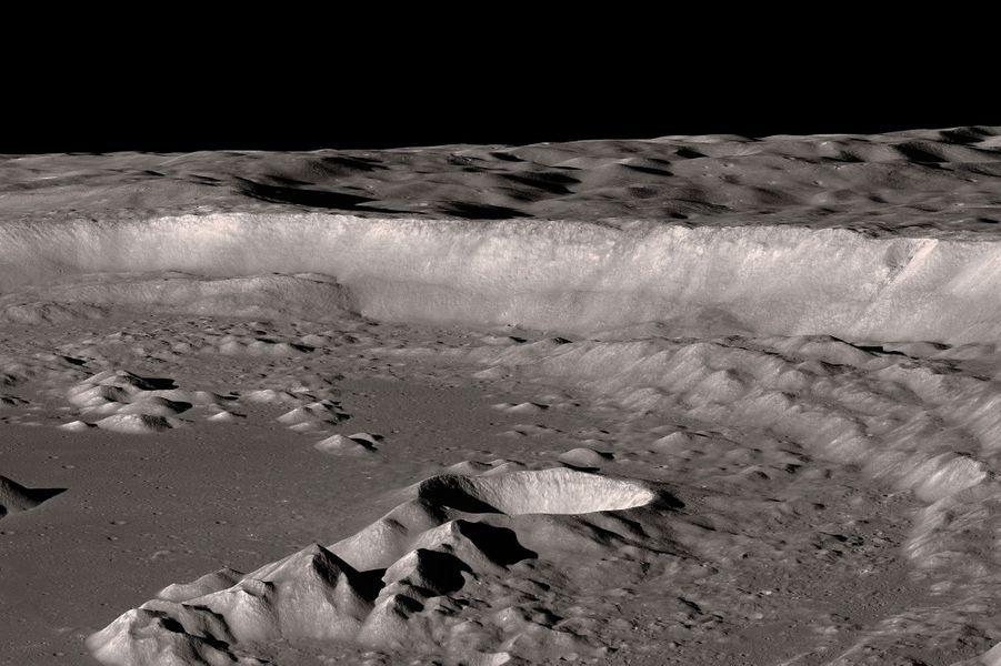 Le cratère Antoniadi sur la Lune