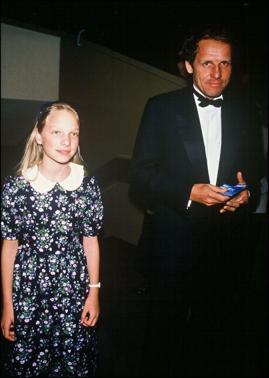Patrick Poivre d'Arvor et sa fille Solenn à la cérémonie des Cesar, en mars 1987.