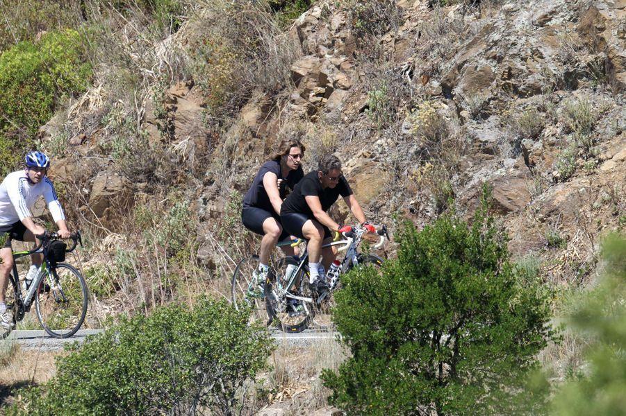 Sortie à vélo pour Jean et Nicolas Sarkozy