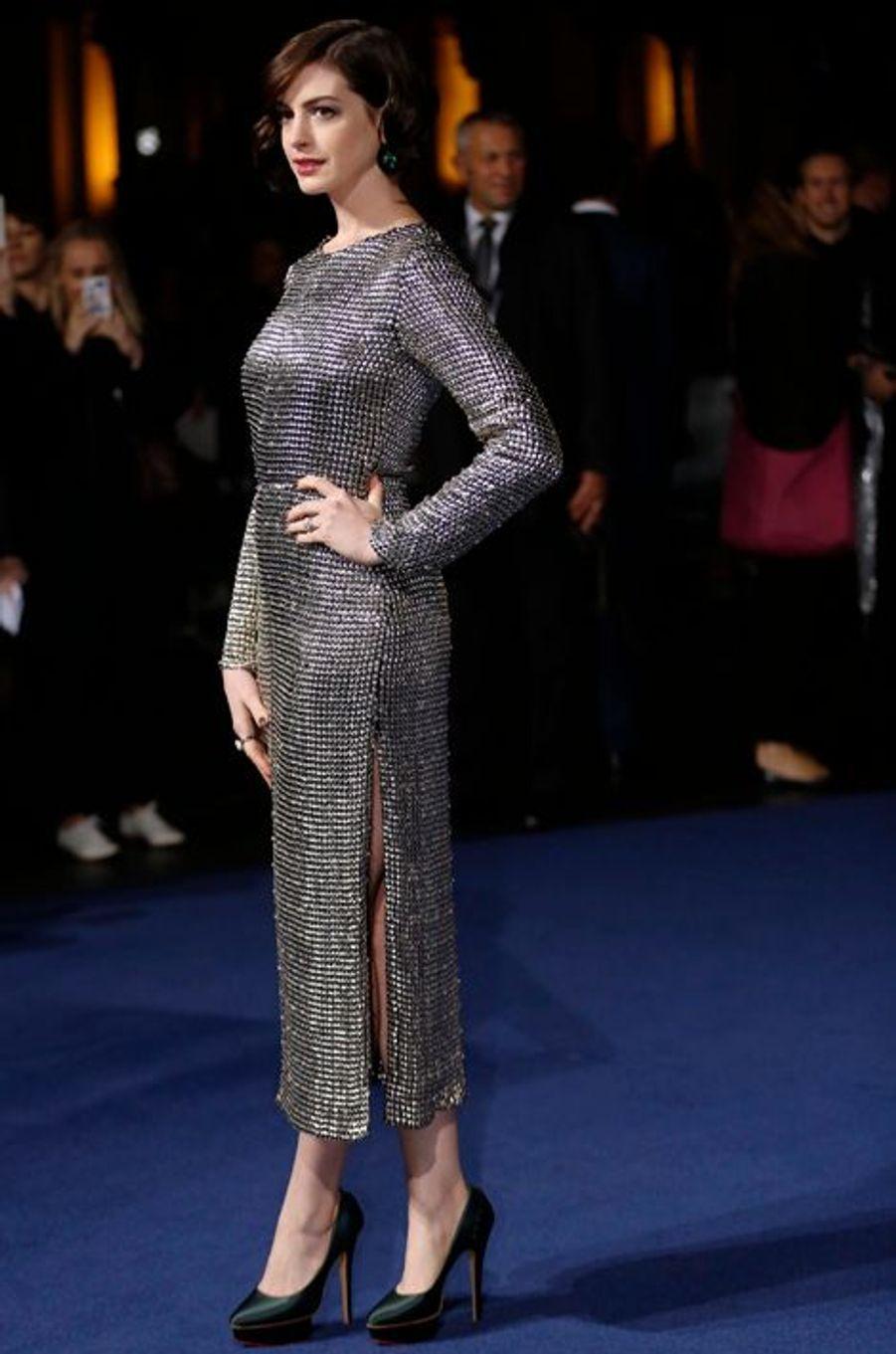 """Anne Hathaway à l'avant-première européenne du film """"Interstellar"""" en 2014."""