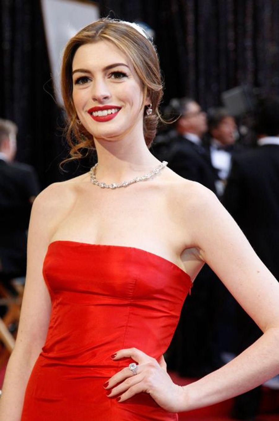Anne Hathaway à la cérémonie des Oscars 2009.