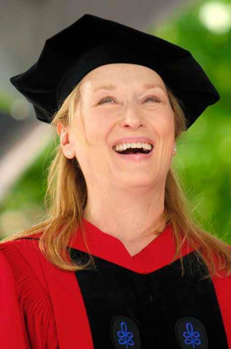 Meryl Streep lorsqu'elle a reçu un master en arts honorifique à l'université de Harvard le 27 mai 2010. L'actrice a également reçu un diplôme d'honneur de l'université de Princeton deux ans plus tard. Dans la vraie vie, elle est diplômée de Yale (1975). Rien que ça.