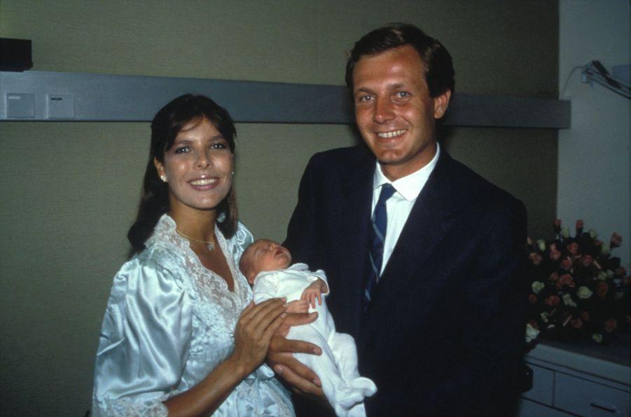 Caroline de Monaco et Stefano Casiraghi lors de la naissance de Charlotte le 3 août 1986