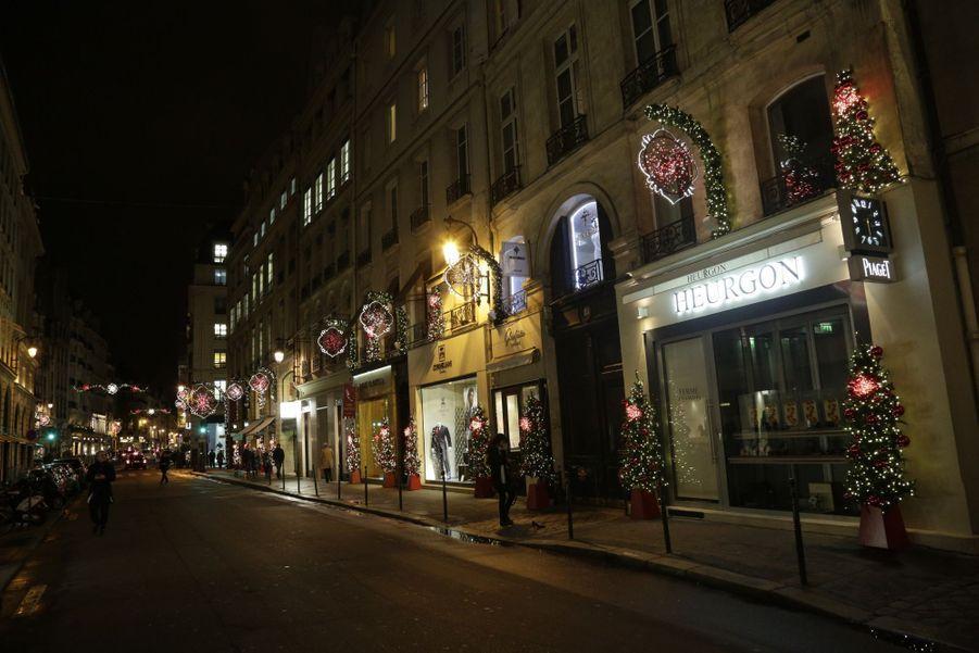 Teddy Riner bien entouré pour illuminer Paris