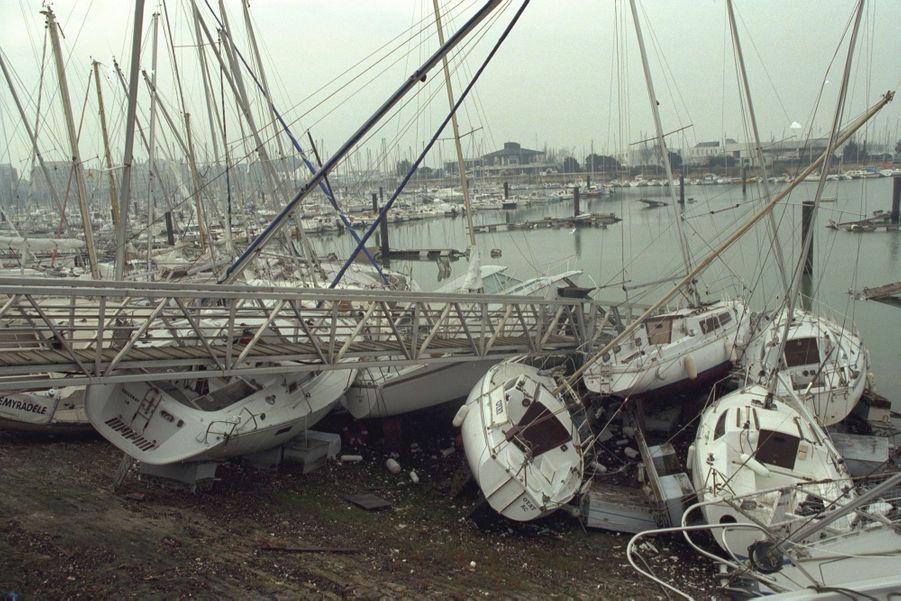 Les dégâts causés par la tempête à La Rochelle, en décembre 1999.