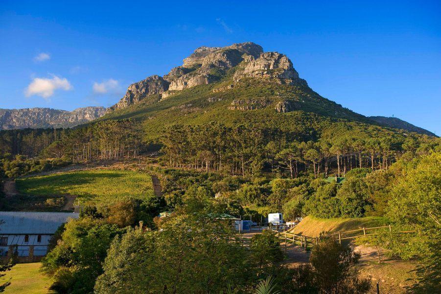 La chaîne de montagne sépare Cape Town de l'Afrique du Sud plus chaude