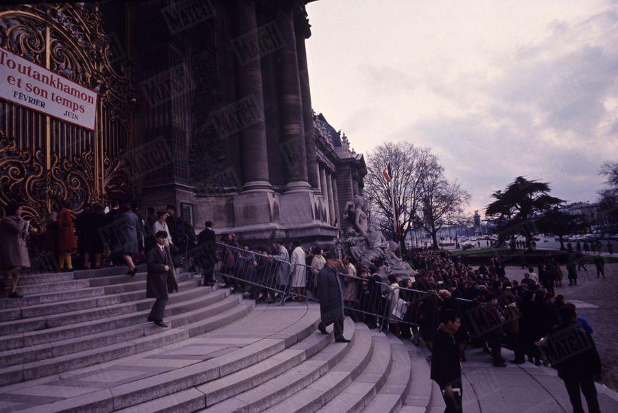 """""""L'exposition du siècle"""" consacrée àToutankhamon au Petit Palais en1967 avait dépassaitles 1,2 million de visiteurs."""