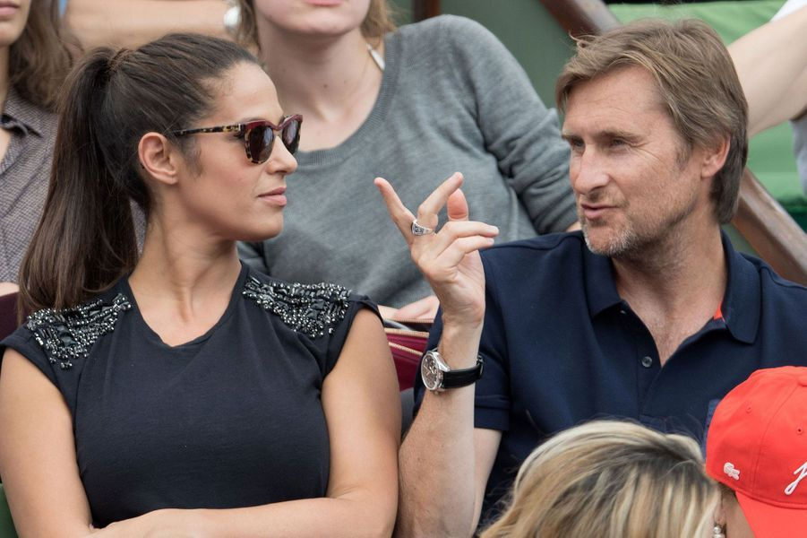 Elisa Tovati et un ami à Roland-Garros 2016