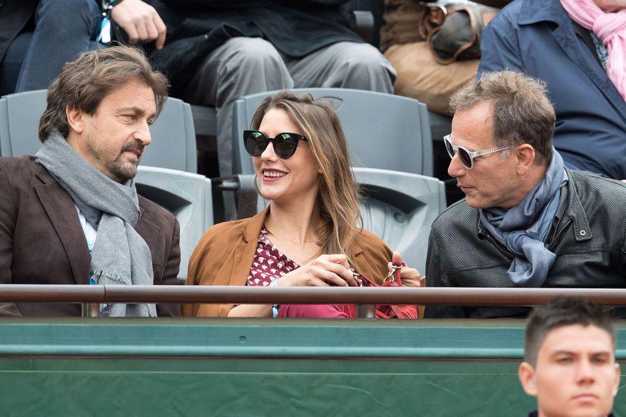 Henri Leconte (à gauche), Charles Berling (à droite) accompagnent une amie à Roland-Garros 2016