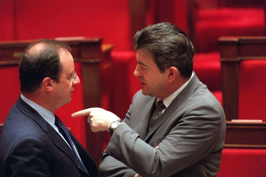 2001 : François Hollande et Jean-Luc Mélenchon discutent... entre socialistes