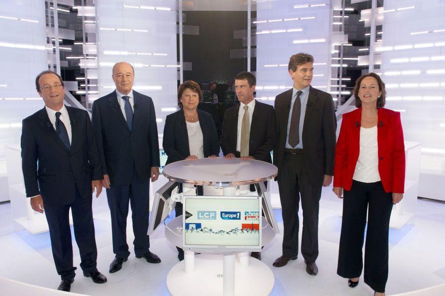28 septembre 2011 : trois rivaux de la primaire deviendront ses ministres