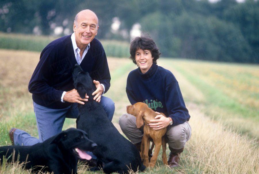 Valéry Giscard d'Estaing avec sa fille Jacinte en août 1987.