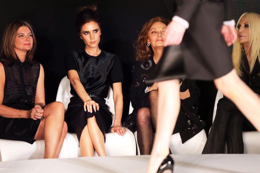 Aux côtés de Diane Von Furstenberg et Donatella Versace, en février 2013