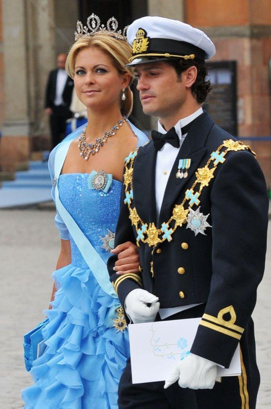 Madeleine et Carl-Philip de Suède au mariage de leur soeur la princesse Victoria de Suède et de Daniel Westling, samedi 19 juin 2010 au palais royal de Stockholm.