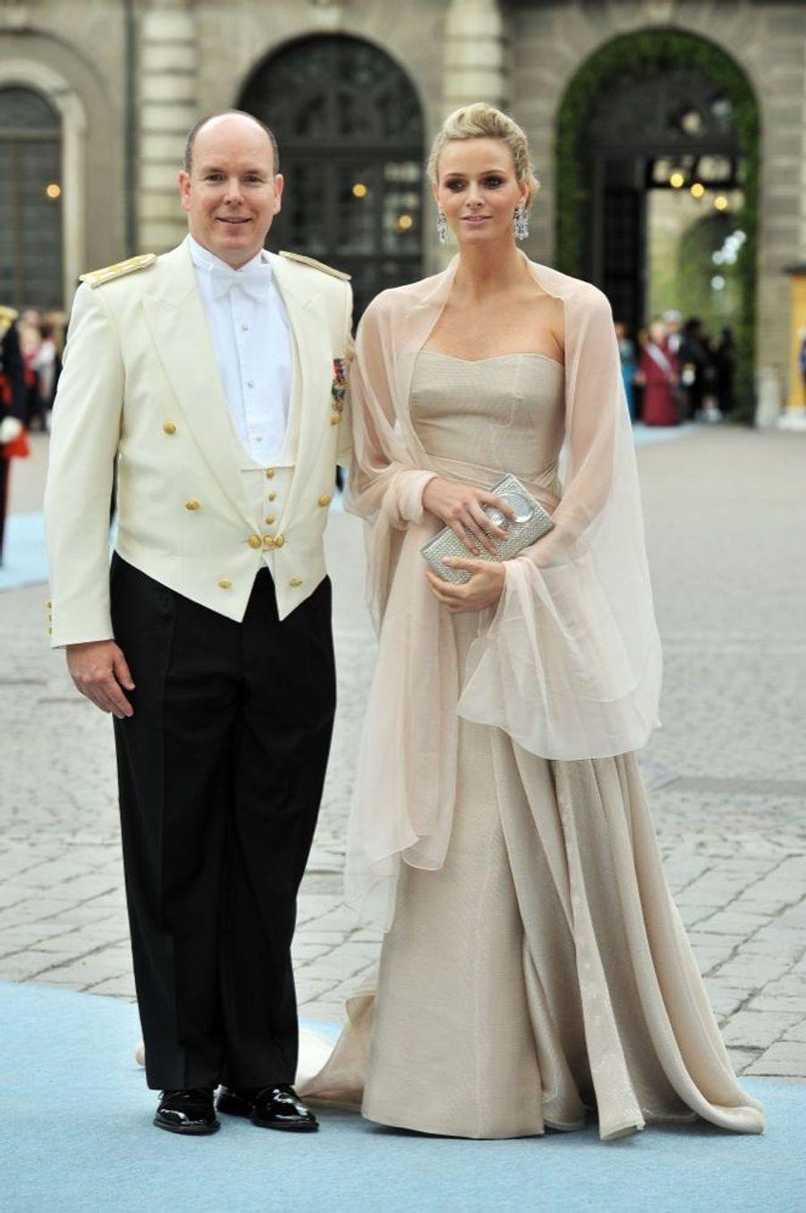 Charlene et Albert de Monacoau mariage de la princesse Victoria de Suède et de Daniel Westling, samedi 19 juin 2010 au palais royal de Stockholm.