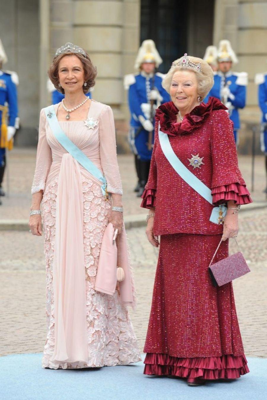 Sofia d'Espagne et Beatrix des Pays-Basau mariage de la princesse Victoria de Suède et de Daniel Westling, samedi 19 juin 2010 au palais royal de Stockholm.