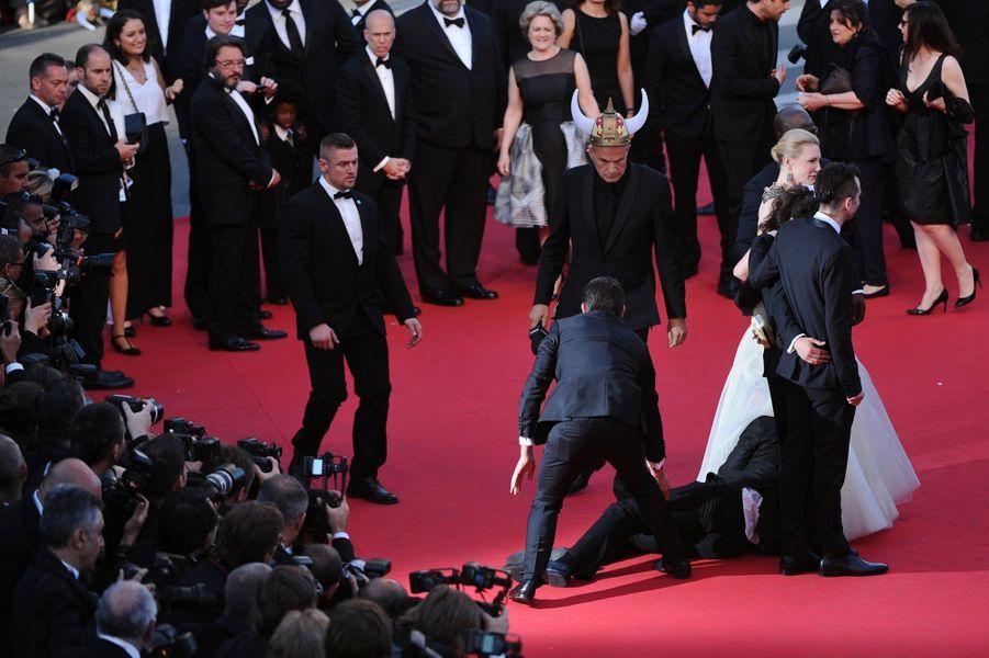 Sous la robe d'America Ferrera à Cannes, le 16 mai dernier