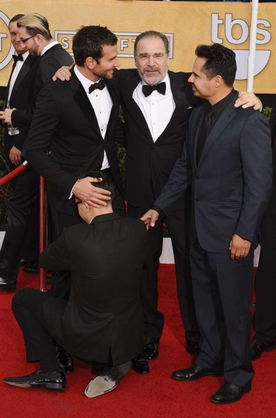 Sur l'entrejambe de Bradley Cooper aux Screen Actors Guild Awards, le 18 janvier dernier