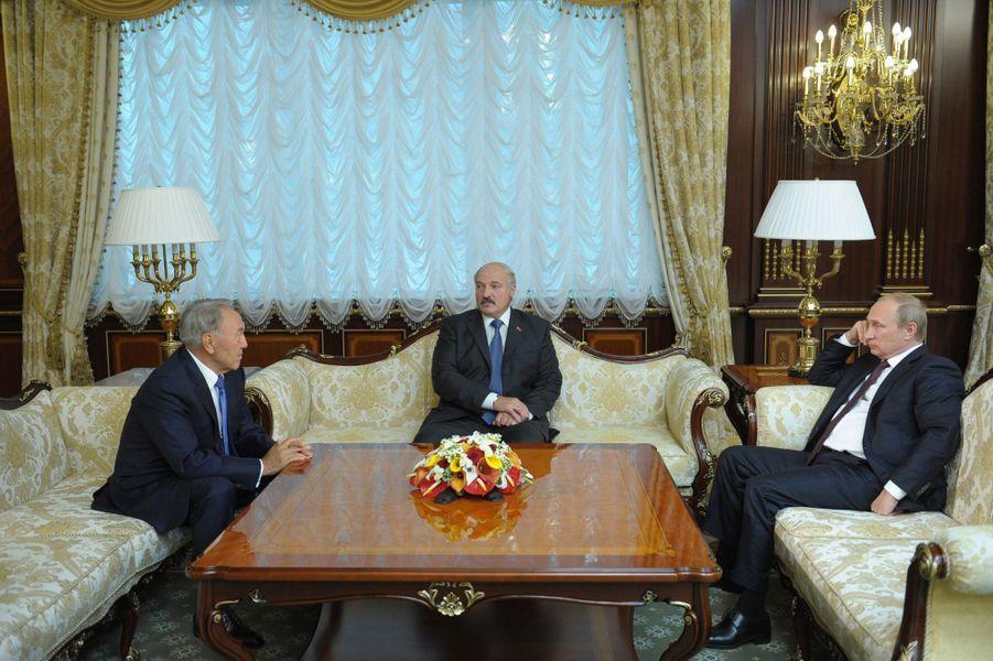 Vladimir Poutine, Alexandre Loukachenko et Petro Porochenko
