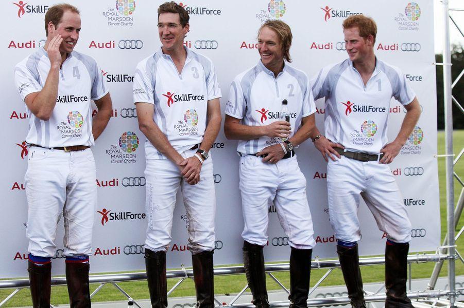 William, Mark Tomlinson, Luke Tomlinson et Harry