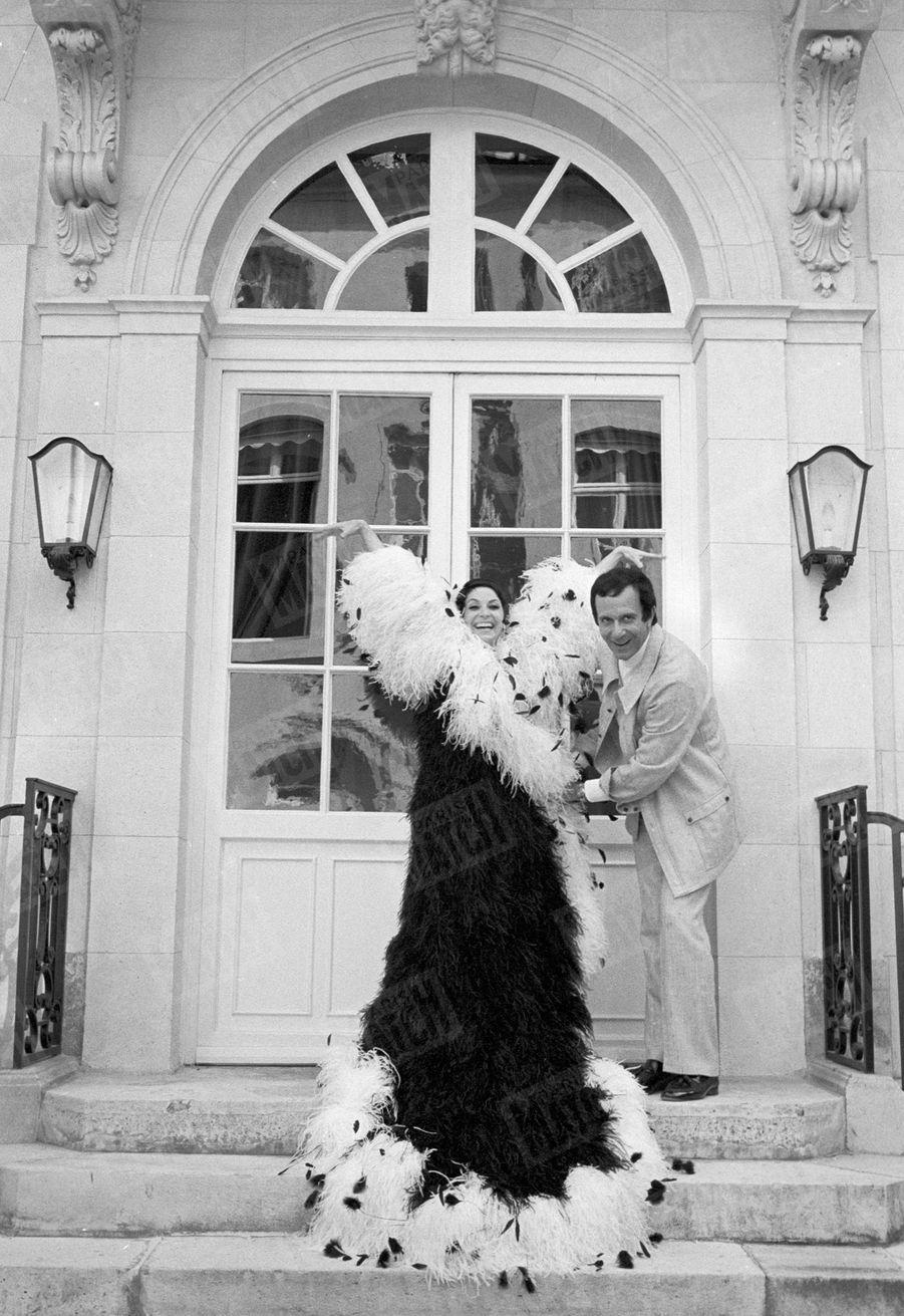 Zizi Jeanmaire et Roland Petit annonçant leur spectacle au Casino de Paris, en juillet 1969.