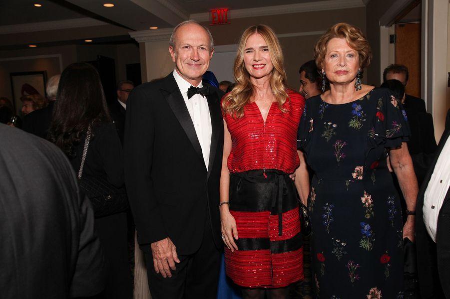 Jean-Paul Agon, son épouse Sophie Agon, et Marie-Monique Steckel , présidente de la FIAF.