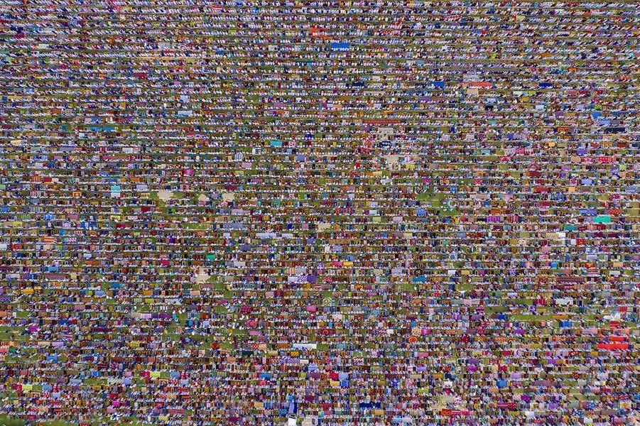 Le plus grand rassemblement de l'Aïd enAsie du Sud s'est tenu àGore Shahid Boro Math, au Bangladesh. Selon les organisateurs, plus de 600 000 fidèles y ont participé.
