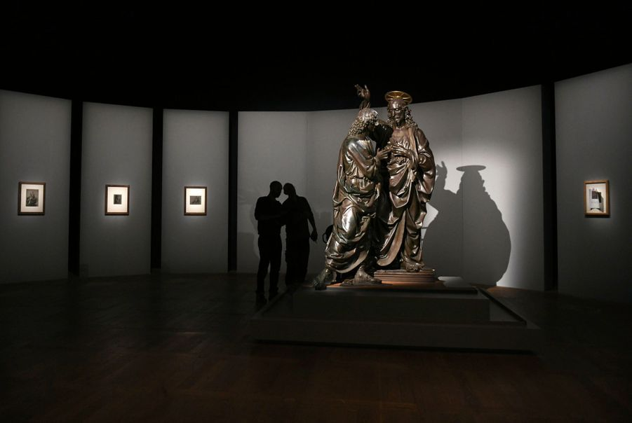 A l'entrée de l'exposition, « L'incrédulité de saint Thomas », signée Andrea del Verrocchio, dont Vinci fut l'apprenti.