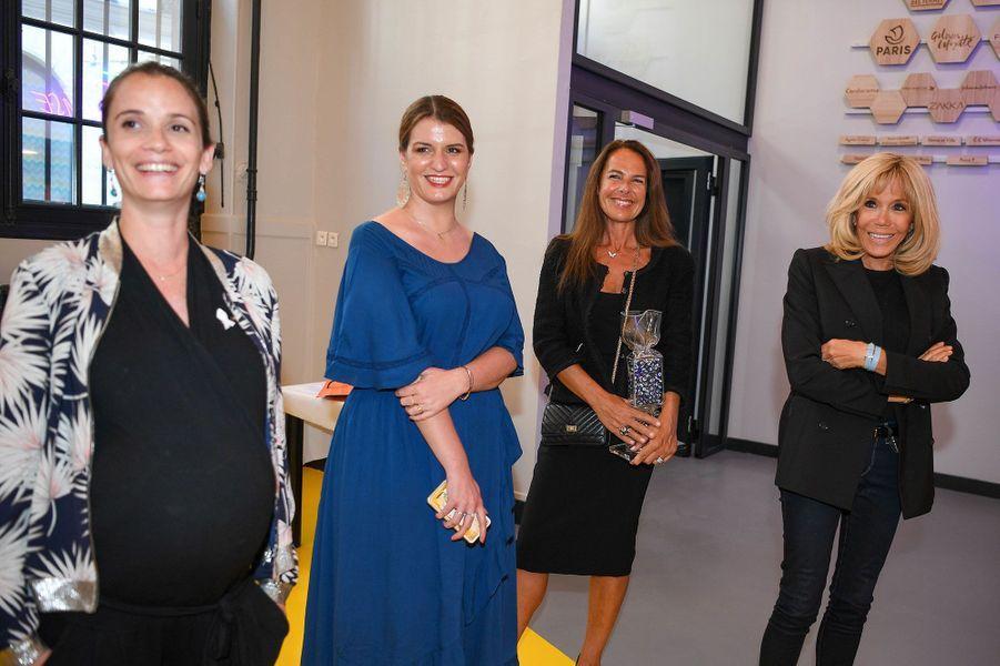 Anne-Cécile Mailfert, présidente de la Fondation des Femmes, Marlène Schiappa,secrétaire d'État chargée de l'Égalité entre les femmes et les hommes , Laurence Jenkell et Brigitte Macron.