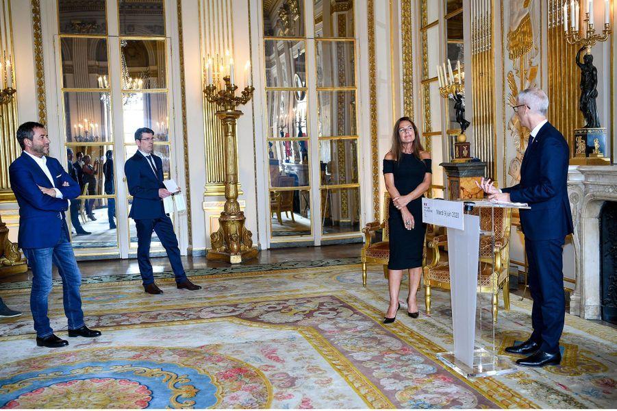 Discours de Franck Riester lorsde la remise à Laurence Jenkell des insignes des Arts et Lettres, le 9 juin.