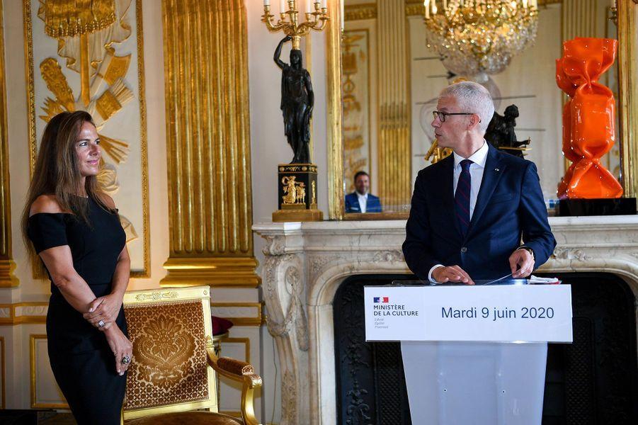Discours de Franck Riester lorsde la remise à Laurence Jenkell desinsignes des Arts et Lettres, le 9 juin.