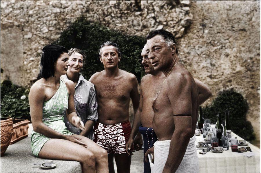 Ravello, 1962. De g. à dr. : Jackie, Suni Agnelli, Benno, « Stas » Radziwill, le beau-frère de Jackie, et Gianni Agnelli.
