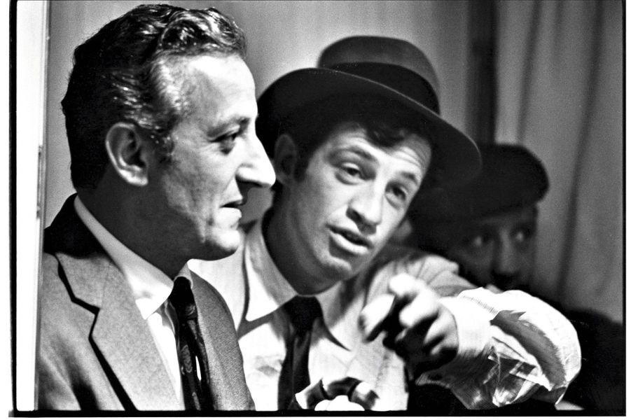 Juillet 1964, avec Jean-Paul Belmondo. Après la sortie de « L'homme de Rio », de Philippe de Broca.