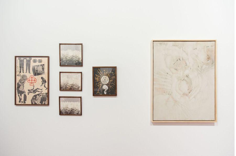 """L'Exposition """"Collaborative Mysticism"""" de la Galerie Frank Elbaz, réunissant des oeuvres de Wallace Berman, Bruce Conner et Jay DeFeo"""