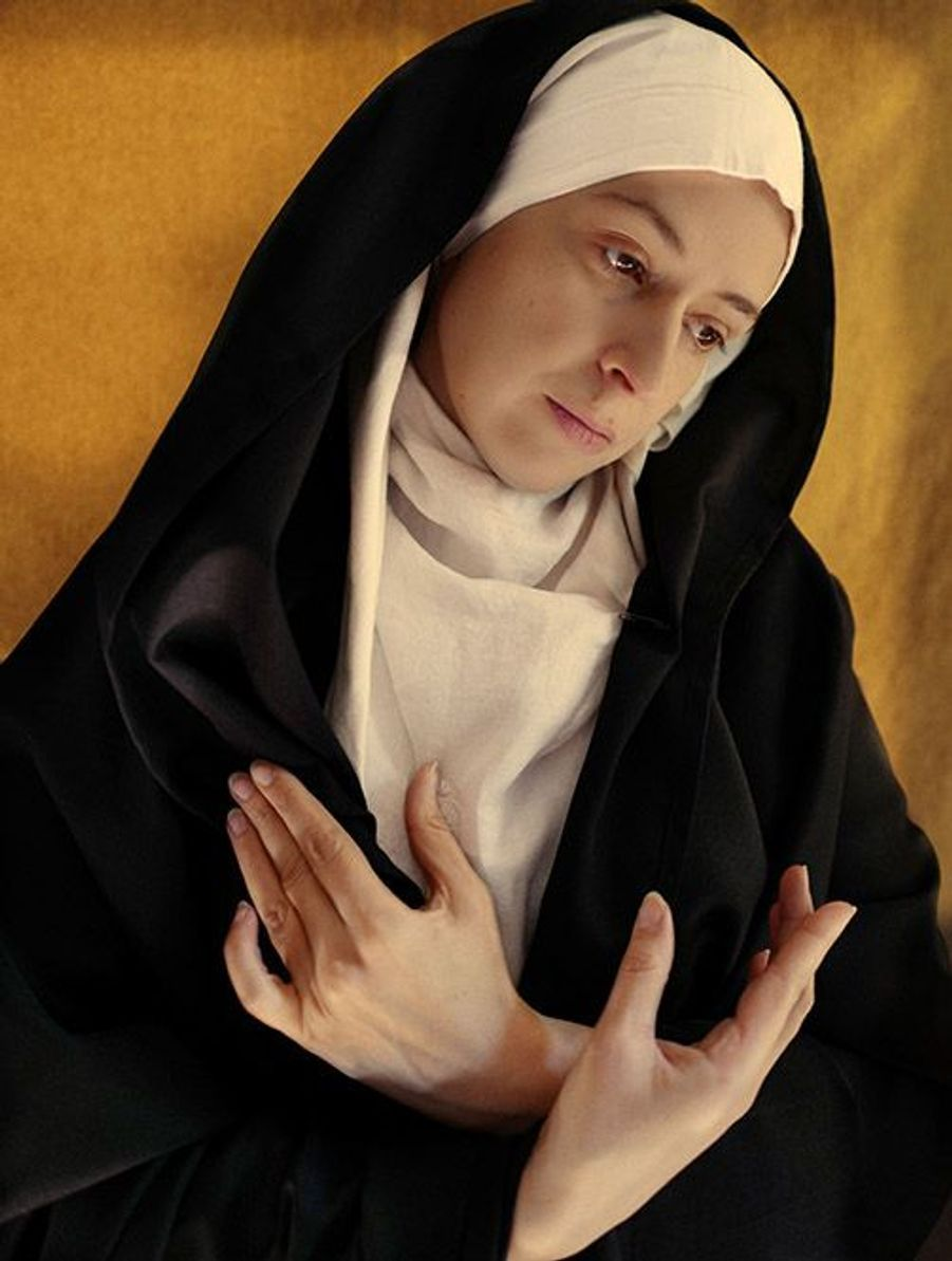 Une version confinée du tableau Vierge de douleur de Simon Marmion