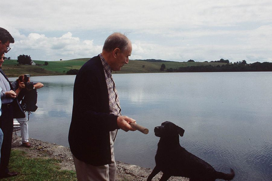 François Mitterrand au Lac Chauvet, en 1993