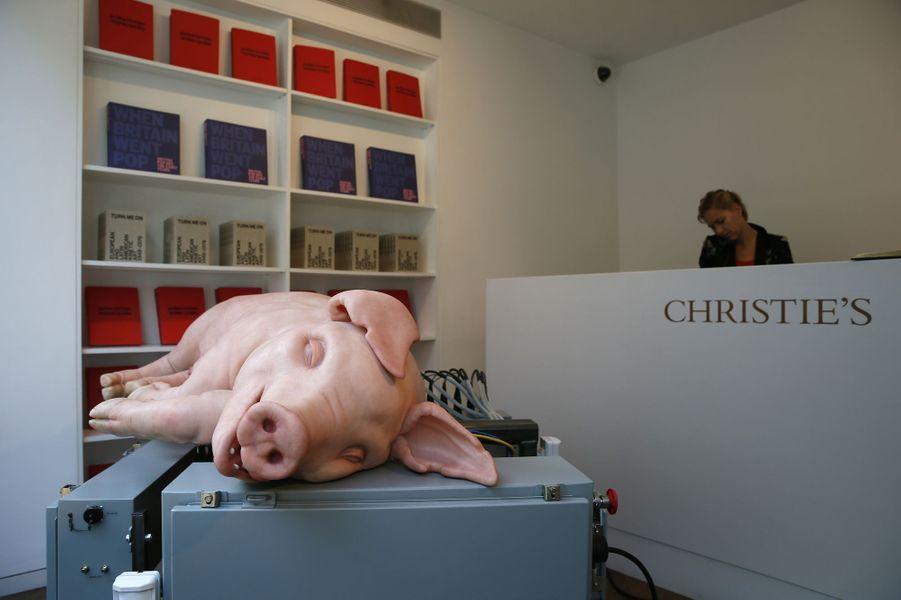 """L'oeuvre """"Mecanichal Pig"""" de Paul McCarthy, présentée à Londres en septembre 2014"""