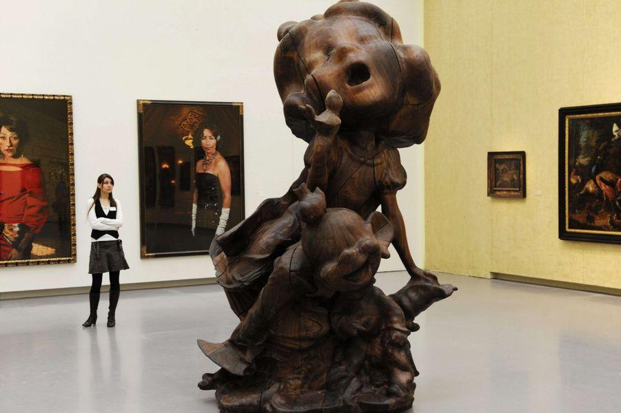 """L'oeuvre """"White Snow and Dopey, Wood"""" de Paul McCarthy, présentée à Zurich en mai 2012"""