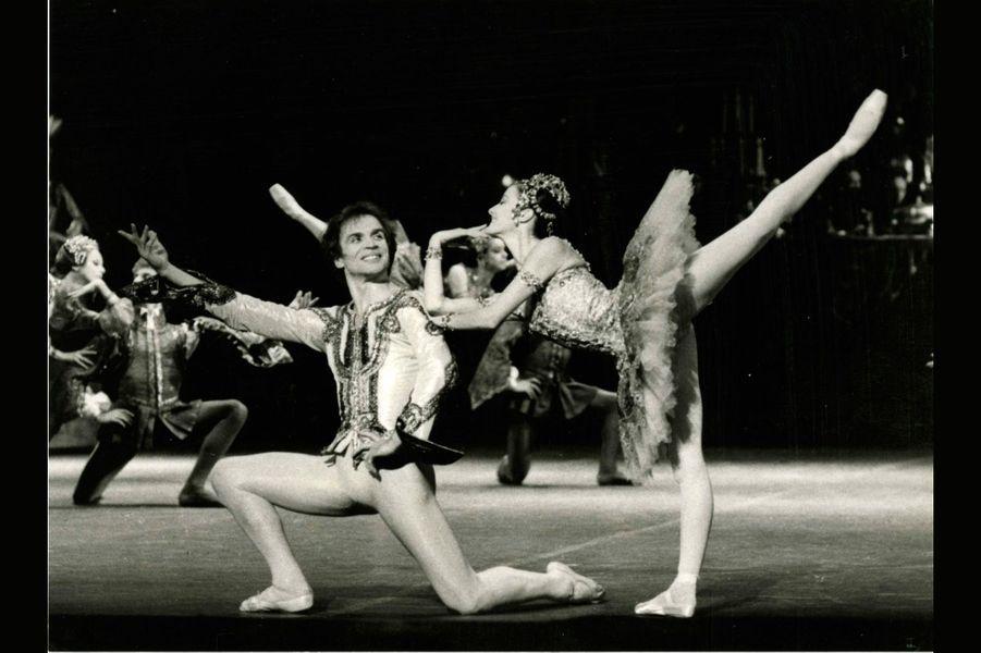 Rudolf Noureev (Jean de Brienne) et Noëlla Pontois (Raymonda), Raymonda, Palais Garnier, 1983.