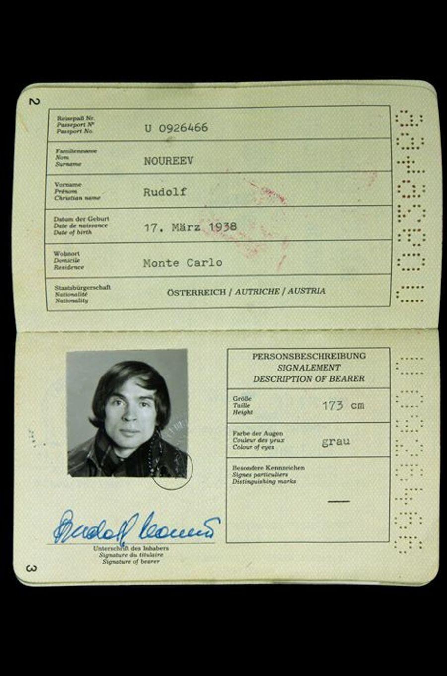 2ème passeport autrichien de Rudolf Noureev, 1989.