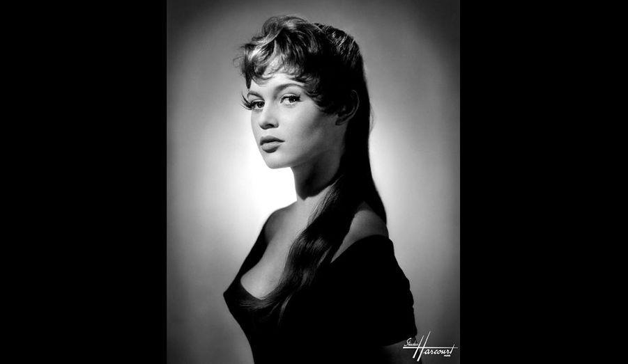 Brigitte Bardot, 1954